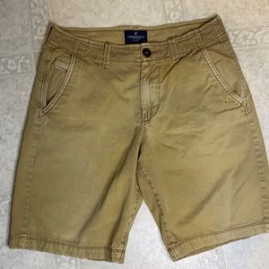 men's American eagle outfitters shorts flaw shown